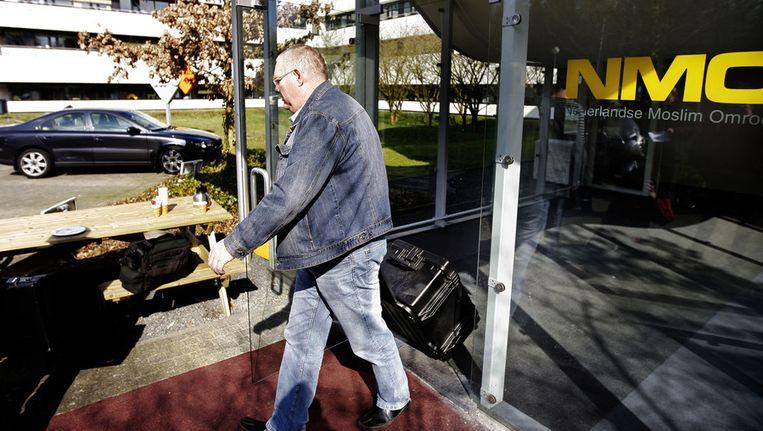 De FIOD deed in 2009 een inval bij de Nederlandse Moslimomroep (NMO) in Hilversum. Beeld