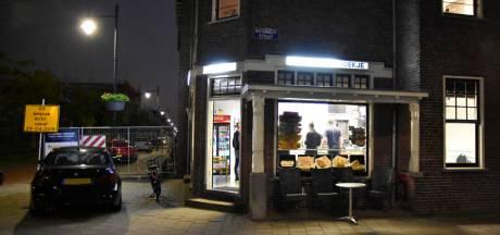 Nieuwe beelden overvaller Arnhemse cafetaria 't Hoekje in Opsporing Verzocht