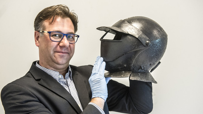 Jeroen Punt met de bijzondere helm