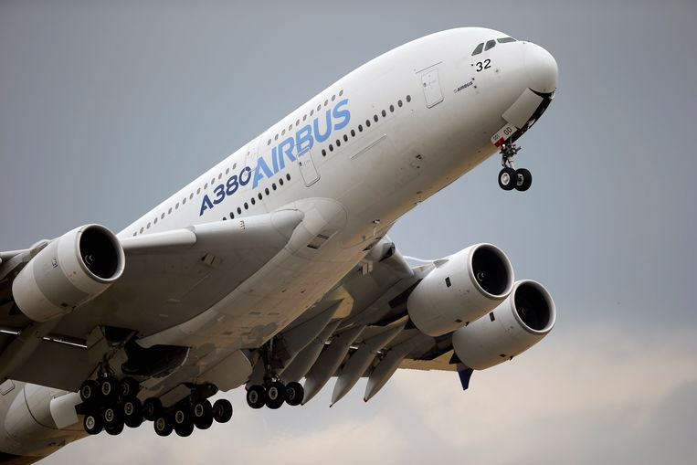 Een opstijgende Airbus A380.