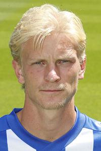GOAL! 1-1 Heerenveen! Doelpunt Morten Thorsby<br>Na de 0-1 zakte Utrecht terug en zocht Heerenveen volop de aanval. De beloning valt 7 minuten voor rust als Thorbsy het laatste zetje kan geven.