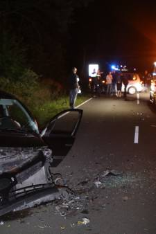 Frontale botsing op Edeseweg: gewonde en twee auto's total loss