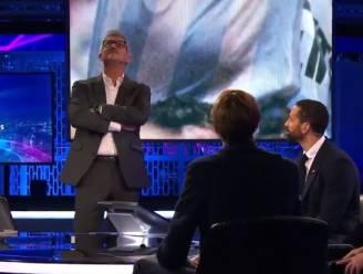 """Emotionele Gary Lineker beeldt uit hoe Maradona de bal tot 13 keer toe de lucht intrapte: """"Strafste wat ik ooit op veld gezien heb"""""""