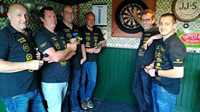 Irish pub Dubh Linn start in dartscompetitie