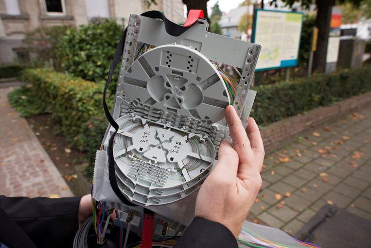 Fluvius biedt gratis aansluiting met glasvezelkabels tot in de woningen aan. Genk stapt mee in een pilootproject met 4.500 woningen.