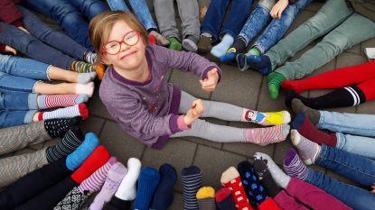 Werelddownsyndroomdag: VBS Grotenberge haalt mooiste sokken uit de kast voor vrolijke, populaire Sam (9)