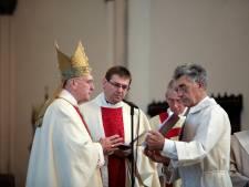 Plebaan Blom ziek, bisschop Hurkmans vervanger vieringen in Sint-Jan