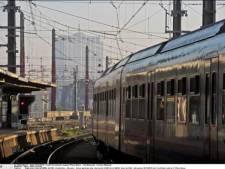 Nuit blanche dans un train et dans une gare pour des centaines d'enfants