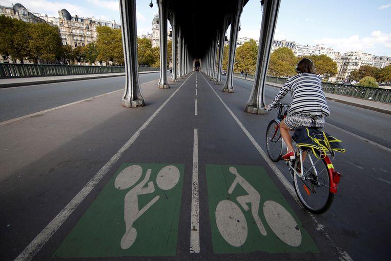 Veel fietspaden in grote Franse steden worden de komende tijd breder gemaakt.