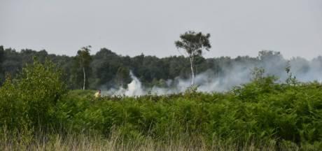 Zeer grote brand bij Aamsveen Enschede, blussen lastig