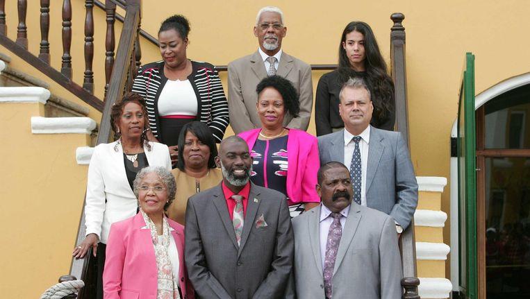 De interim-regering van Curaçao met in het midden voor minister-president Gilmar Pisas en links vooraan gouverneur Lucille George-Wout. Beeld anp