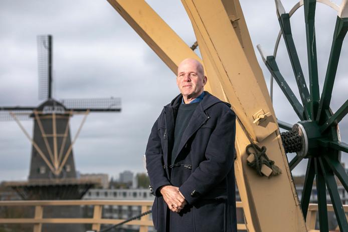 Hugo Boogaard, drie jaar directeur van Stichting Schiedamse Molens, is maar wat trots op zijn organisatie: ,,Een fijne club.''