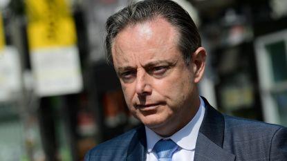 """Bart De Wever (N-VA) trappelt om oppositie te voeren tegen Vivaldi: """"Al wie niet links is, is boos"""""""