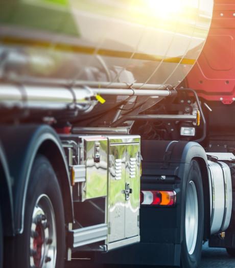 Man (21) uit Goes overleden bij bedrijfsongeluk: bedolven onder lading eigen vrachtwagen