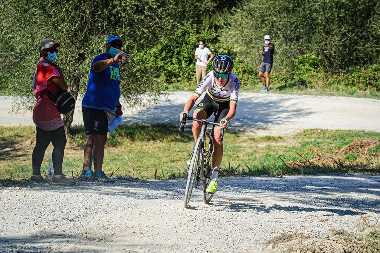 Annemiek van Vleuten voor haar valpartij in de Giro Rosa. Beeld BSR Agency