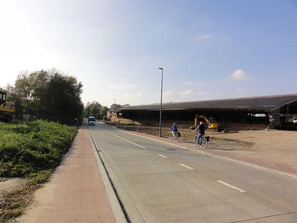 Het nieuwe fietspad langs de Nieuwelaan in Merchtem en de Kardinaal Sterckxlaan in Meise.