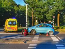 Motorrijder bij stoplicht in Aalst van achter aangereden door auto