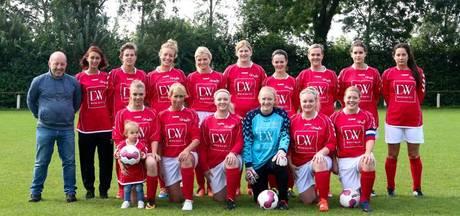 Damesvoetbal Wijhe '92 maakt roerige tijden door