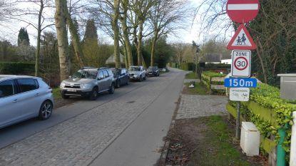 Definitief parkeerverbod aan Latemse gemeenteschool