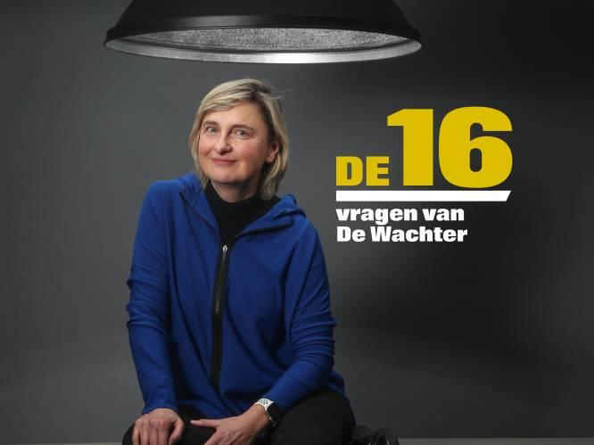 """De 16 vragen van De Wachter aan Hilde Crevits: """"Vroeger kreeg ik buikpijn als ik naar het parlement moest. Nu zeg ik: 'Joepie, ik mag weer!'"""""""