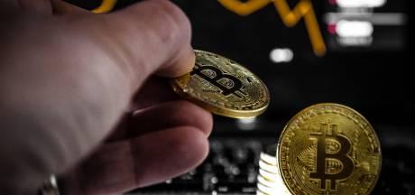 Bitcoin zet waardestijging door: bijna 9000 dollar waard