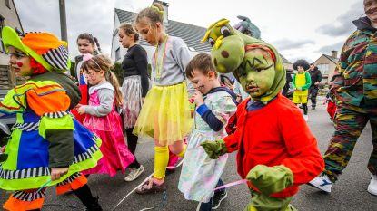 Kindercarnaval trekt door Westendse straten