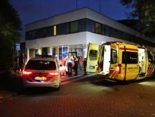 Man zwaargewond na val van dak in Den Haag