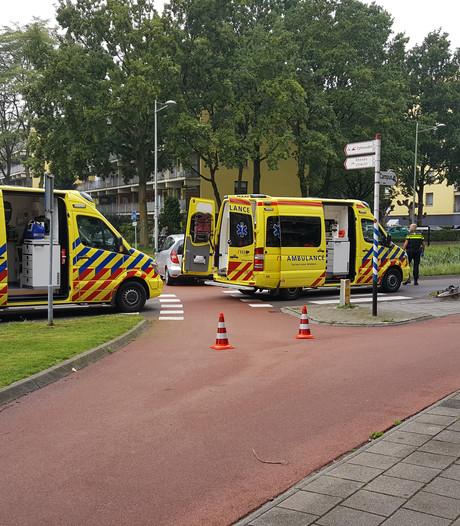 Fietser geschept en zwaargewond naar ziekenhuis