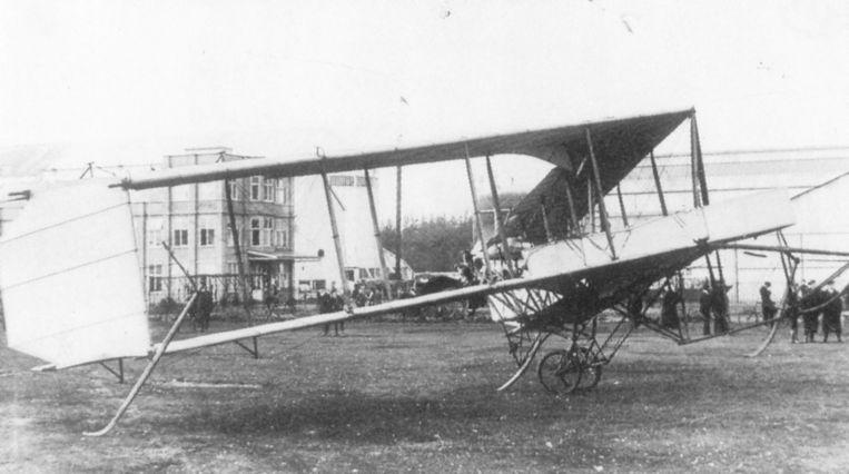 De Dunne.8, 's werelds eerste vliegende vleugel. Het toestel beleefde zijn vuurdoop in 1912.  Beeld J M Bruce, Aeroplanes of the Royal Flying Corps 1992, Putnam