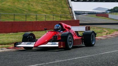 Met deze Formule 1-auto mag je echt de openbare weg op