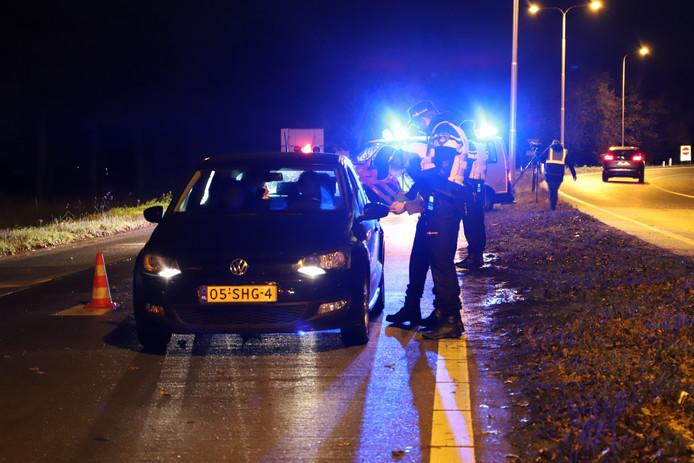Controle op de afrit van de A73 bij Cuijk.