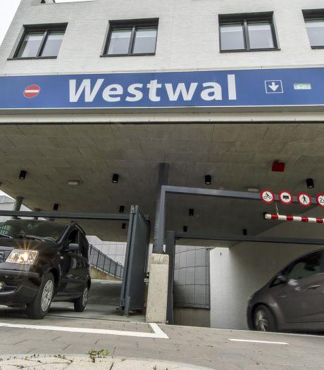 Stadsbezoekers pikken parkeerplek bewoners in: Goes-Oost krijgt vergunninghoudersparkeren