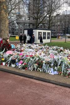 10.44 uur: buurtbewoners houden exact een week na de aanslag herdenking bij 24 Oktoberplein