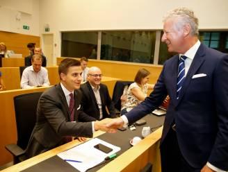 """De Crem tegen Van Langenhove in 'zwembadcommissie': """"U bent hier niet op partijcongres"""""""