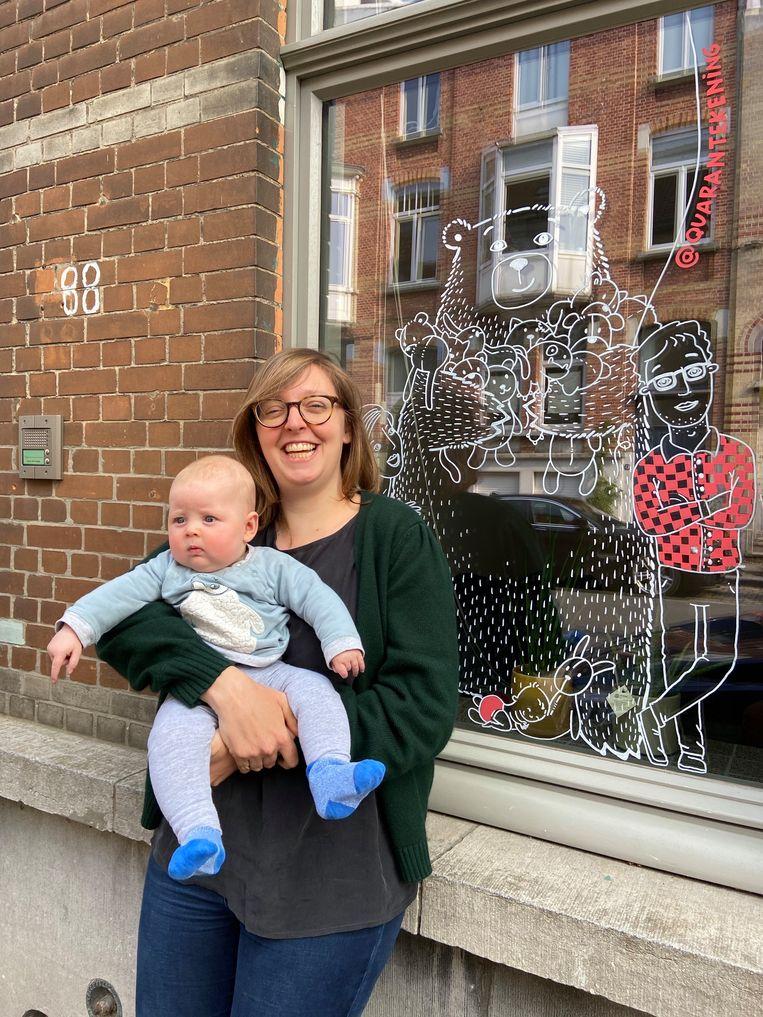 Hanne Deceuninck, hier met haar dochtertje Nelle, is de initiatiefneemster achter Quarantekening.