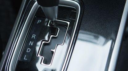 """Nog nooit zoveel auto's met automatische versnellingsbak verkocht: """"Mensen willen comfortabel in file staan"""""""