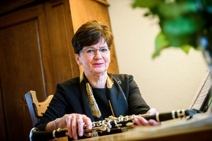 Marga Bressers is 50 jaar lid van harmonie L'Union Fraternelle als klarinettiste.