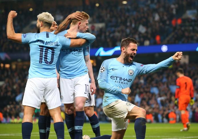 Manchester City speelt morgenavond de stadsderby bij Manchester United.