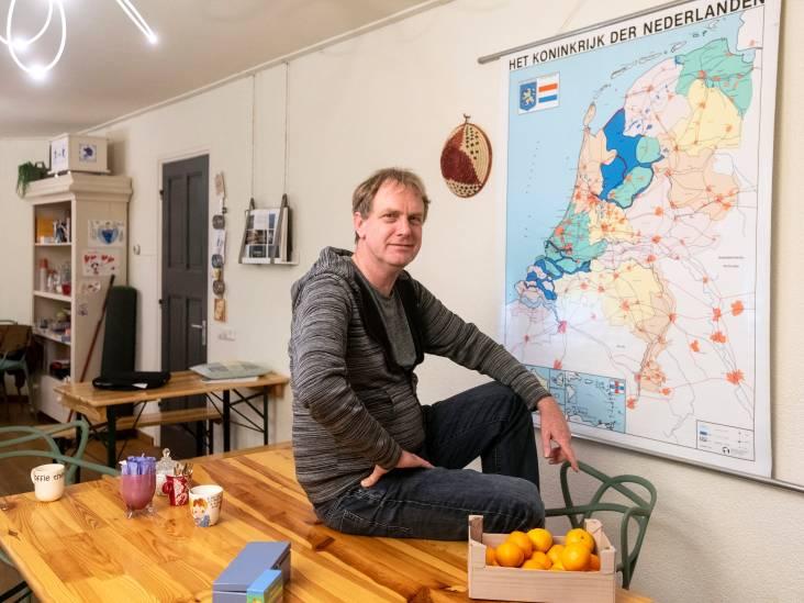 Wim verruilde de Unox-soepzak voor een Eritrees koffietafeltje