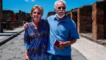 """Echtpaar uit VS kan na ruim twee maanden eindelijk ruïnes Pompeii bezoeken: """"We hebben hier al naar vastgoed gekeken"""""""