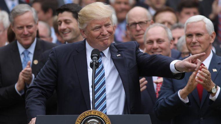 President Trump maakt in de Rose Garden bij het Witte Huis bekend dat het Huis van Afgevaardigden zijn zorgwet heeft aanvaard. Beeld null