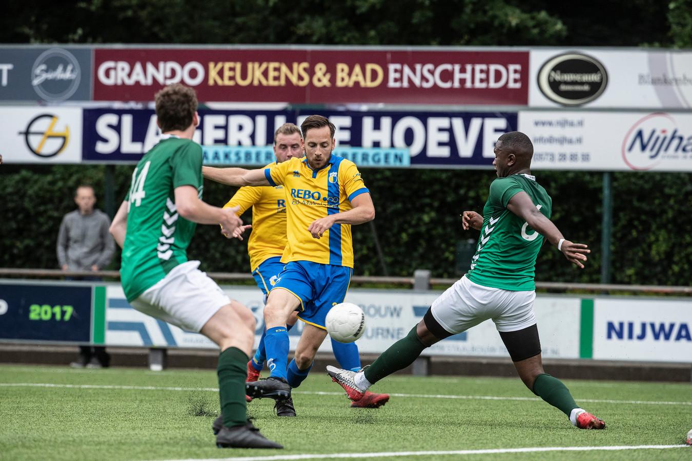 DZC'68 won met 2-1 van FC Winterswijk.