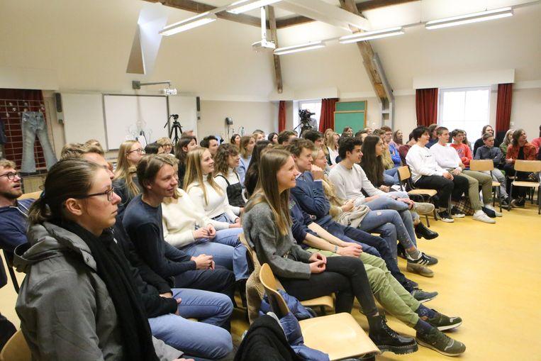 De aandachtige leerlingen van het Sint-Janscollege.