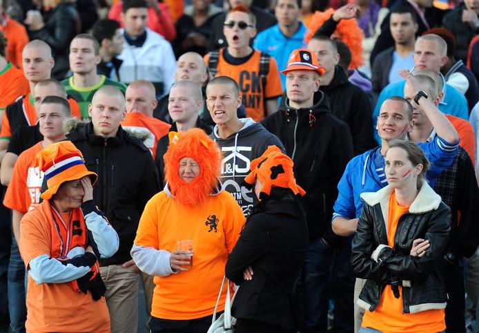 Archiefbeeld van balende Oranje-fans