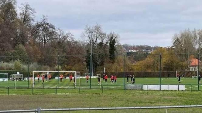 Brusselse voetbalploeg komt in het geniep trainen op terrein ERC Hoeilaart: 11 spelers op de bon