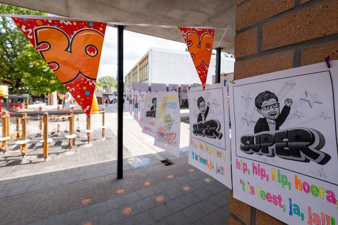 HOMBEEK Guido Slachmuylders is dertig jaar directeur van GO! basisschool De Esdoorn. Met zijn pensioen voor de deur, wil de school dat wapenfeit vieren.
