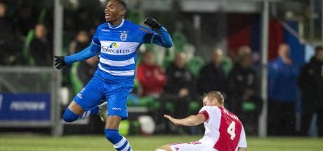 Strijdbaar PEC Zwolle kan titelaspiraties Ajax geen knauw geven