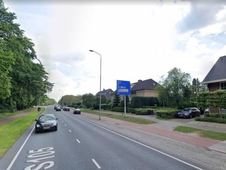 Zigzaggende spookrijder botst frontaal op tegenligger in Nijmegen; bijrijder haalt verhaal
