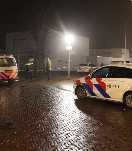 Zwollenaar zwaait in nieuwjaarsnacht lukraak met mes in Lemelerveld: 'Deze avond gaat er iemand dood'