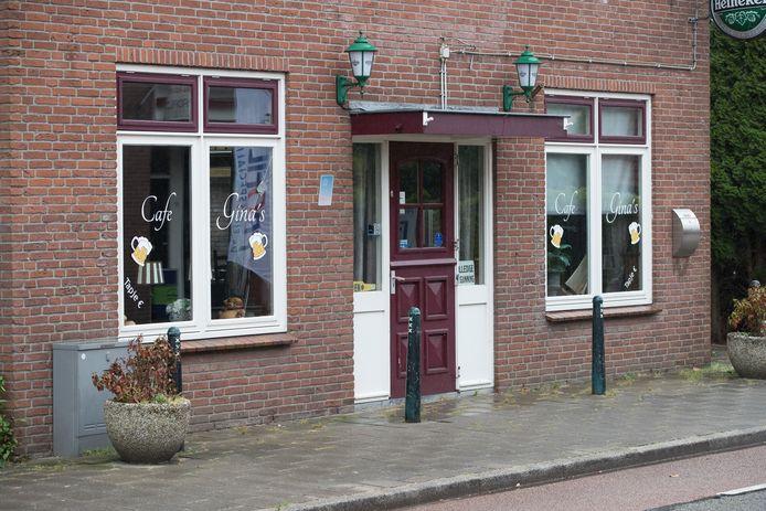 Het pand van het café Gina's in Raalte.